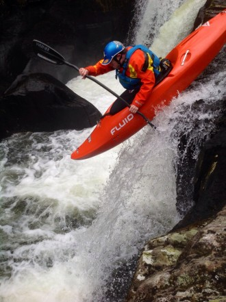 White Water Kayaking – Punching Features by Dave Rossetter (Head of Paddlesport)…